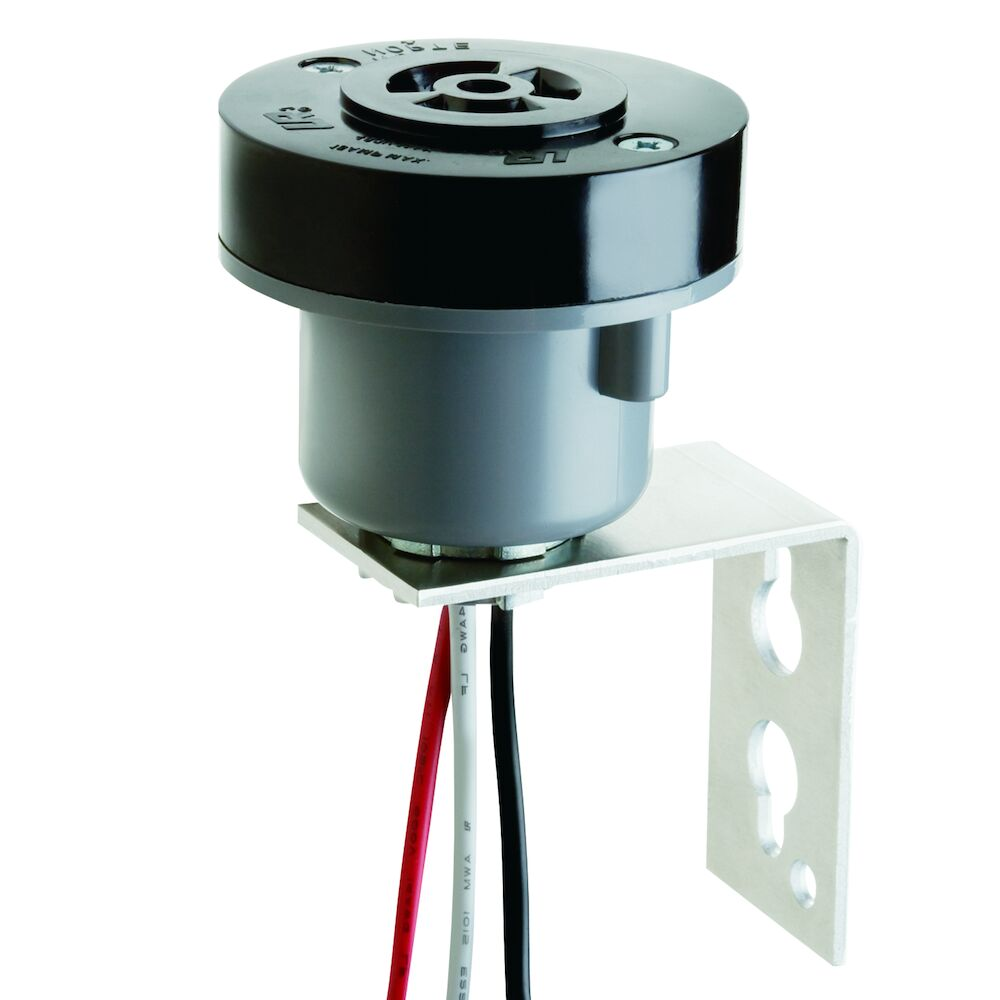 Locking Type Receptacle, 3-Pin, C136.10 Compliant, with Pole Mounting Bracket redirect to product page