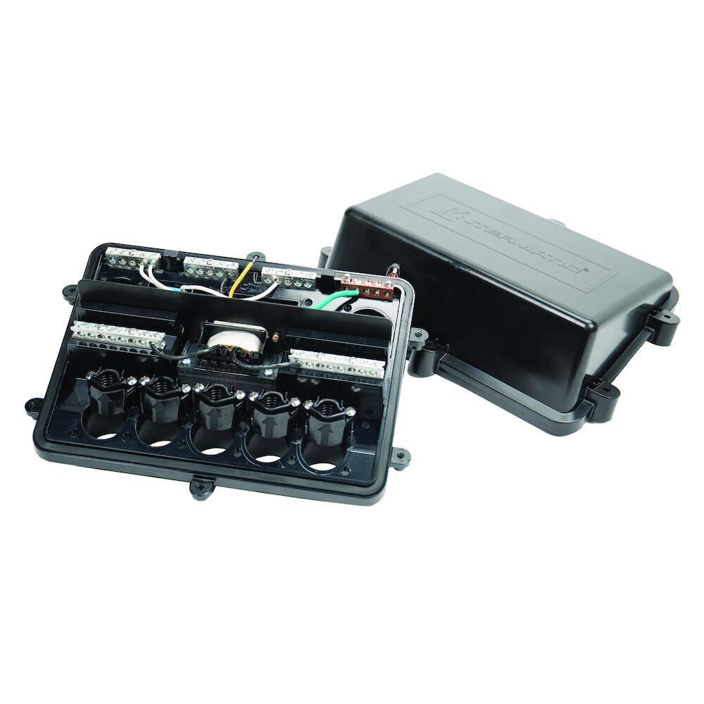 5 Light Connection Pool and Spa Junction Box with 100 W Transformer redirect to product page